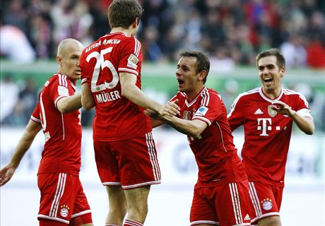 Awesome Bayern hit Wolfsburg for six