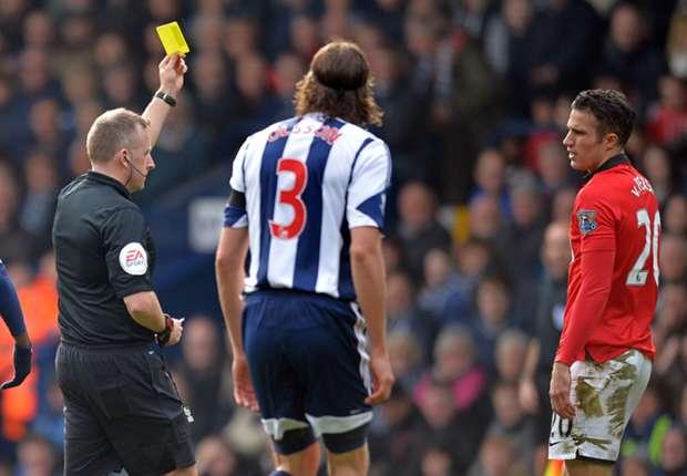 Van Persie should have seen red, says Mel
