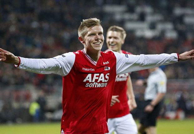 Aron Johannsson scores double in AZ win