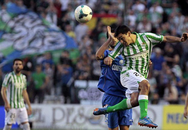 Betis 2-0 Getafe: La necesidad se hizo virtud en el Villamarín