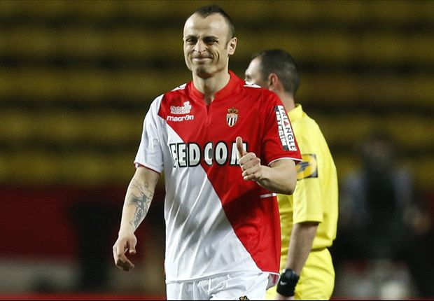 Berbatov eager to extend Monaco stay