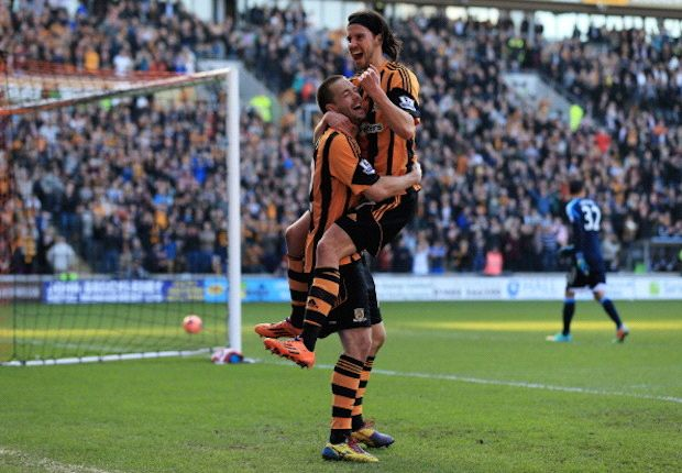 Hull City 3-0 Sunderland: Tigers profit from calamitous Cattermole horror show