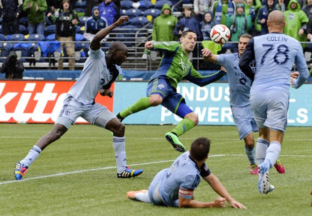 MLS suspends Clint Dempsey two games for violent conduct