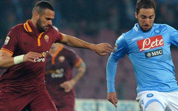 Leandro Castan Gonzalo Higuain Napoli Roma Serie A 03092014