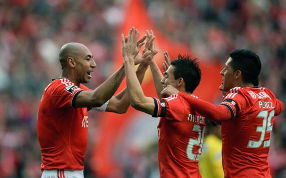 Benfica celebrate a goal from Luisao