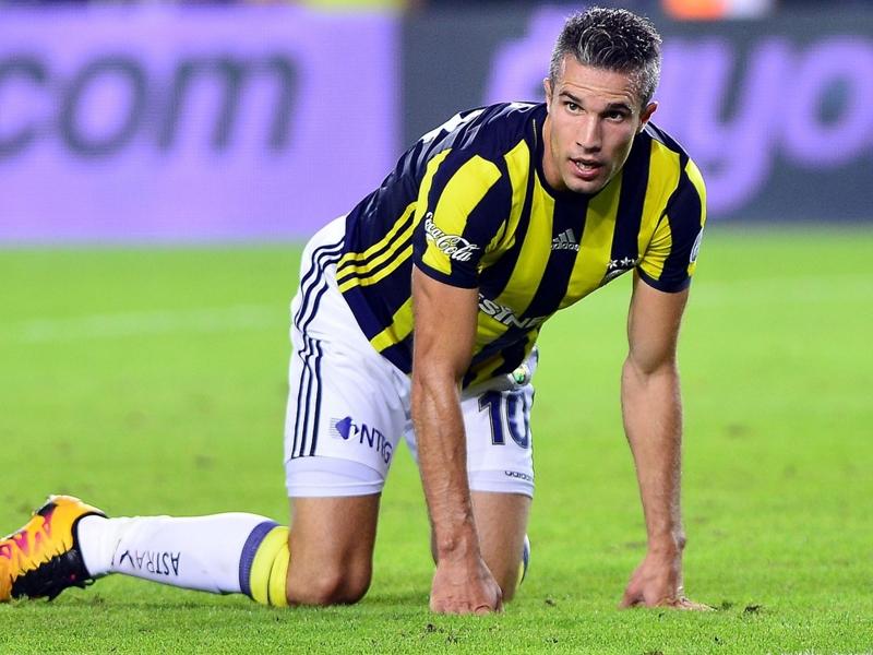 Fenerbahçe, Van Persie n'exclut pas un retour en Angleterre