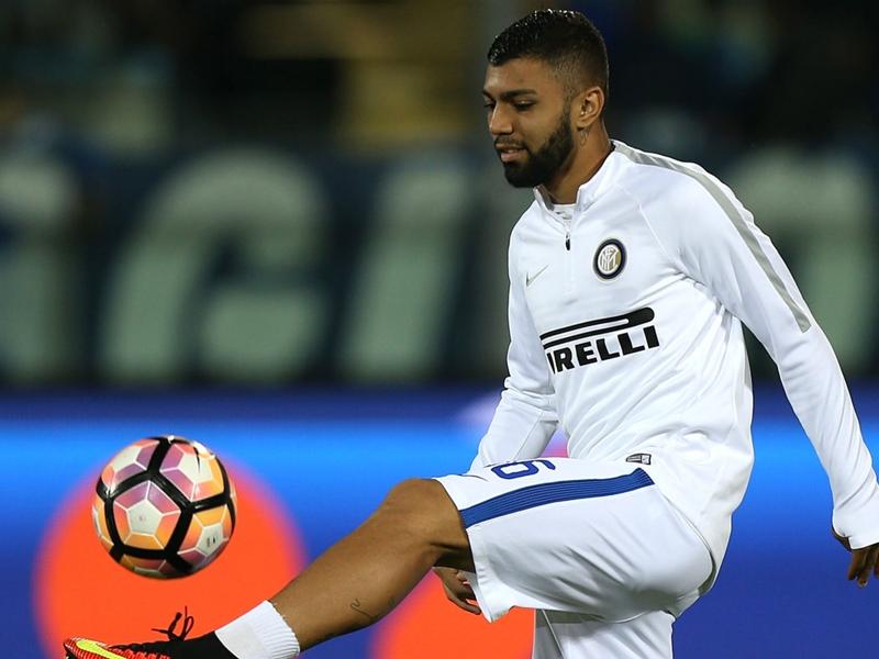 VIDEO - Buonumore Inter: Gabigol posa e scherza con Zanetti