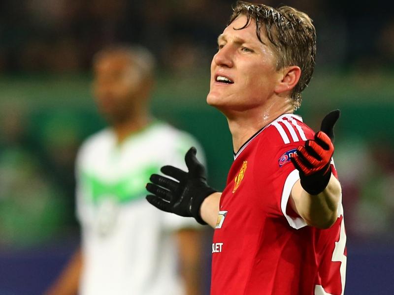 "Man United, Podolski : ""Ce que fait Mourinho à Schweinsteiger est injuste"""