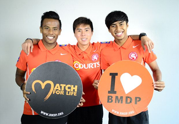 From left to right: Shamil, Ammirul and Stanely doing their part for the BMDP.