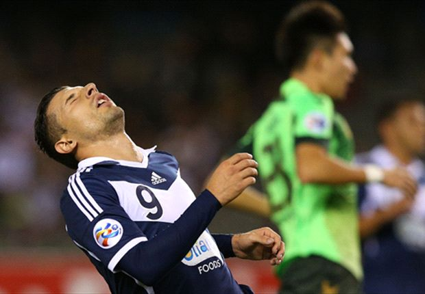 Kosta Barbarouses reacts after a bad miss against Jeonbuk