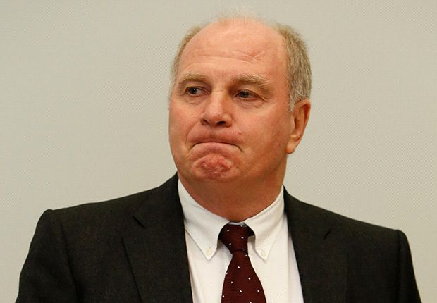 Hoeness resigns as Bayern president and accepts prison sentence