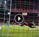 Ajax opnieuw geholpen door videotechnologie