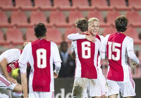 Jong Ajax zet Oss voor schut