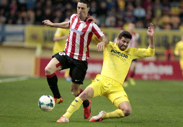 Musacchio lucha con Aduriz en el partido de esta noche
