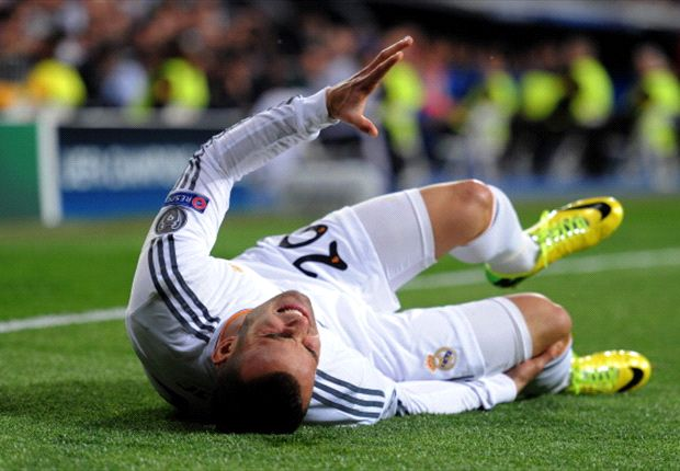 Jese suffers suspected knee ligament damage