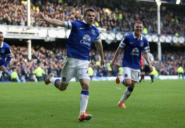 Martinez warns rivals off Everton's young stars