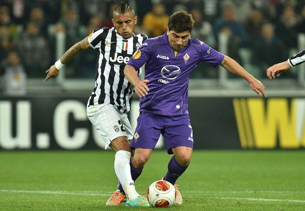 My knee hurts a lot, reveals Vidal