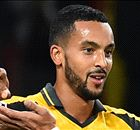 Walcott on fire as in-form Arsenal roll on