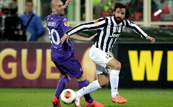 Borja Valero Andrea Pirlo Fiorentina Juventus UEFA Europa League 03202014