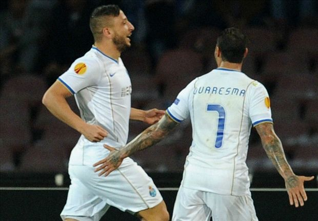 Napoli 2-2 Porto (Agg 2-3): Quaresma wondergoal sends Benitez's side crashing out