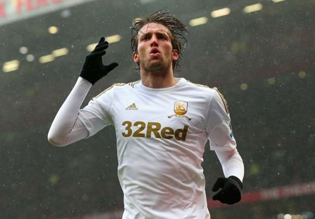 Monk insists Michu wants to stay at Swansea
