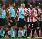 ¡INSÓLITO! | El árbitro da gol, penalti... y anula la jugada del Athletic