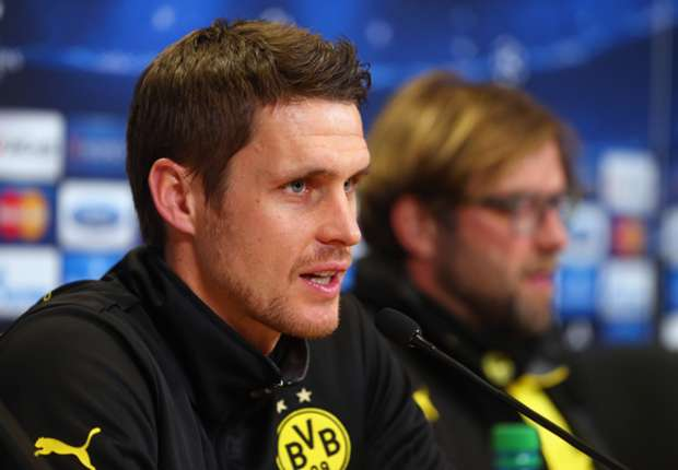 Kehl signs contract extension with Dortmund