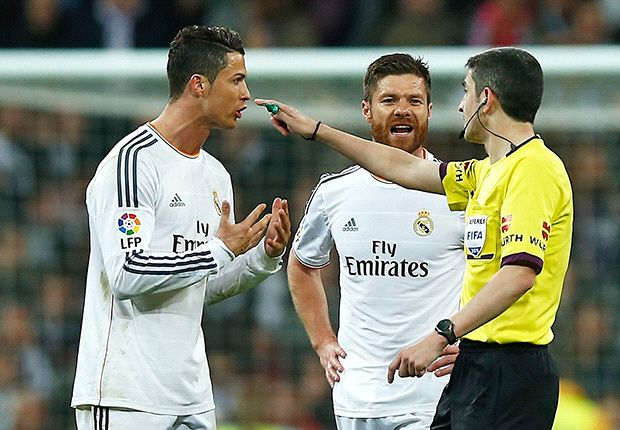 Xavi: 'Cristiano is wrong' about referee