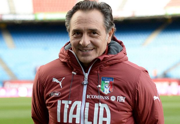 Prandelli agrees Italy contract extension