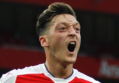 Wenger urges Ozil to commit future
