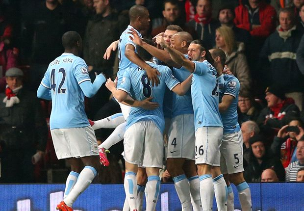 Manchester United 0-3 Manchester City: Moyes' men outclassed as City keep up title hunt