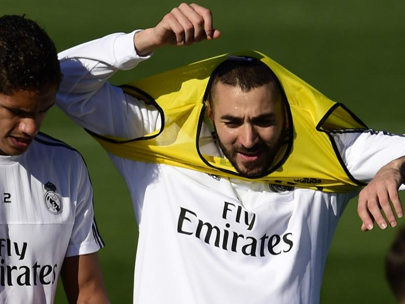 Real Madrid, Benzema et Varane sortis sur blessure