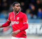 OFF - Martina signe à Southampton