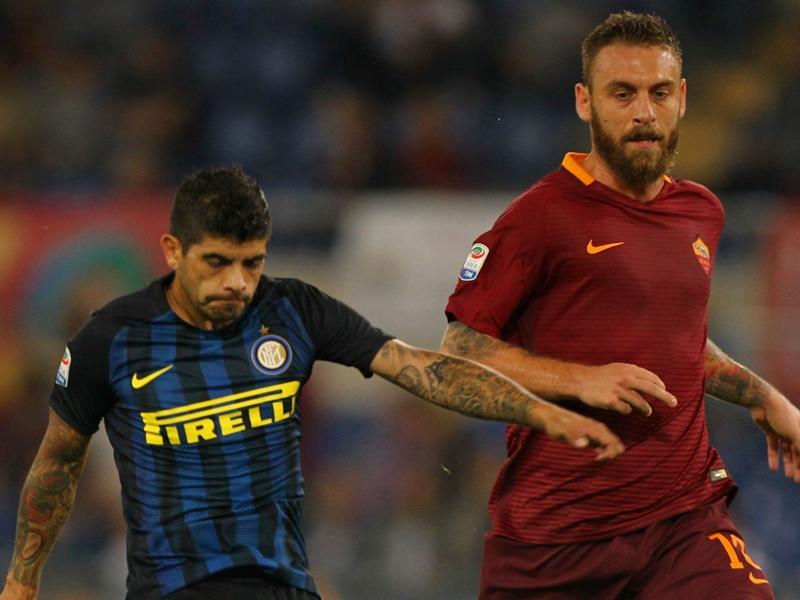 Roma-Inter, De Rossi esulta con Dzeko e insulta i tifosi: Pezzi di m***a!