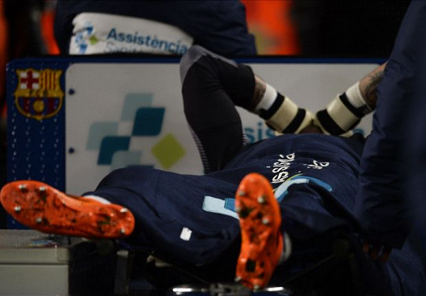 Valdés pisó mal con su pierna derecha y la rodilla se le dobló hacia adentro.