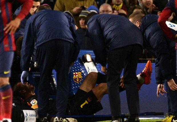 Valdes tears ACL, ending Barcelona career