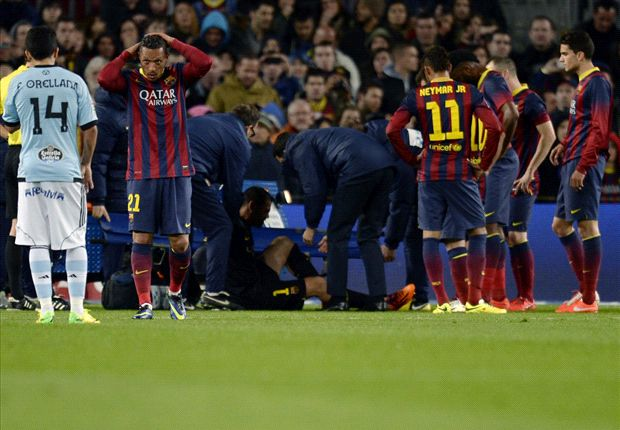 Valdes' Barcelona career over after season-ending injury