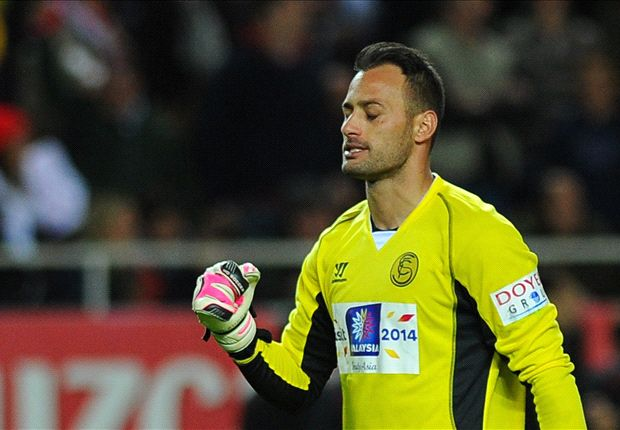 You can't beat the best players in the world, rues Sevilla keeper Beto