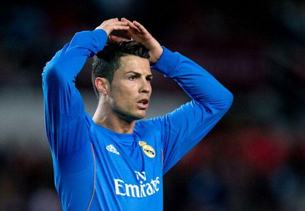 Ronaldo, desesperado ante el Sevilla
