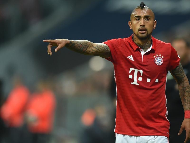 VIDEO - Bayern Monaco, Vidal dà spettacolo in allenamento