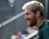 Lionel Messi volta a treinar no campo