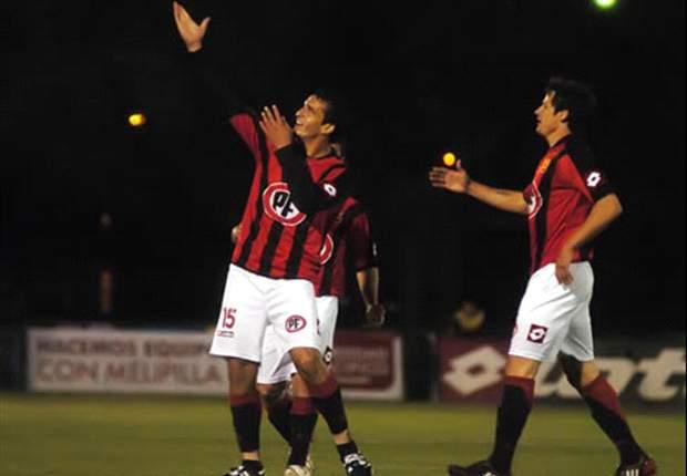 Cellerino, ex Livorno, perde la testa e colpisce il portiere avversario con un calcio proibito: arrestato in Cile (VIDEO)