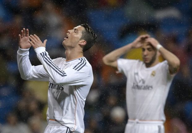 Three jeers for Ronaldo: Boos a sign of Madrid frustration as Barca & Atleti pass tough tests