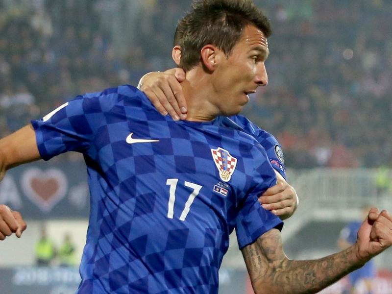 Mandzukic vede la luce: tripletta con la Croazia, la Juventus sorride