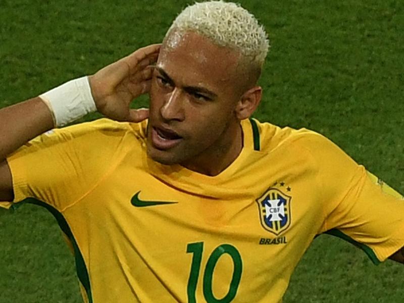 Brésil, Neymar de retour à Barcelone