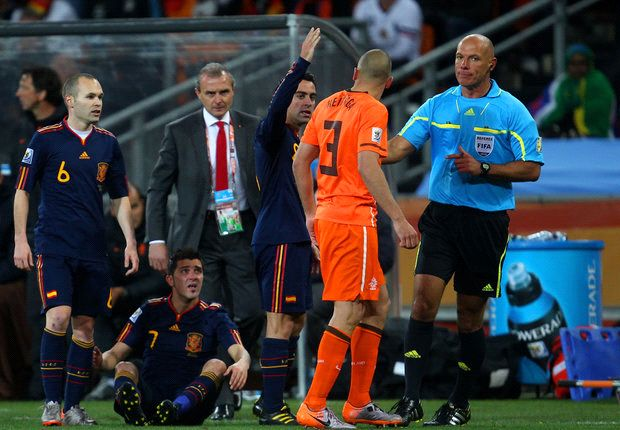 Howard Webb not dwelling on 2010 World Cup final decisions