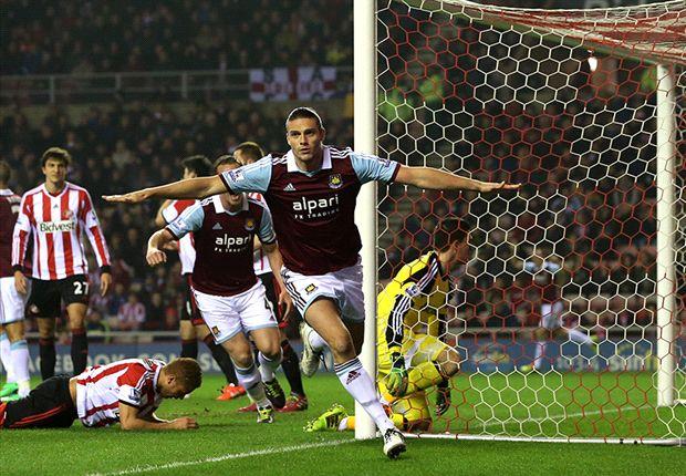 Sunderland 1-2 West Ham: Carroll on target as Hammers hold on