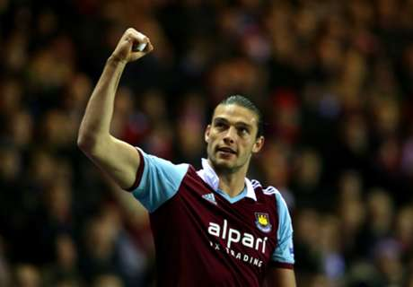 Newcastle Berniat Pulangkan Andy Carroll