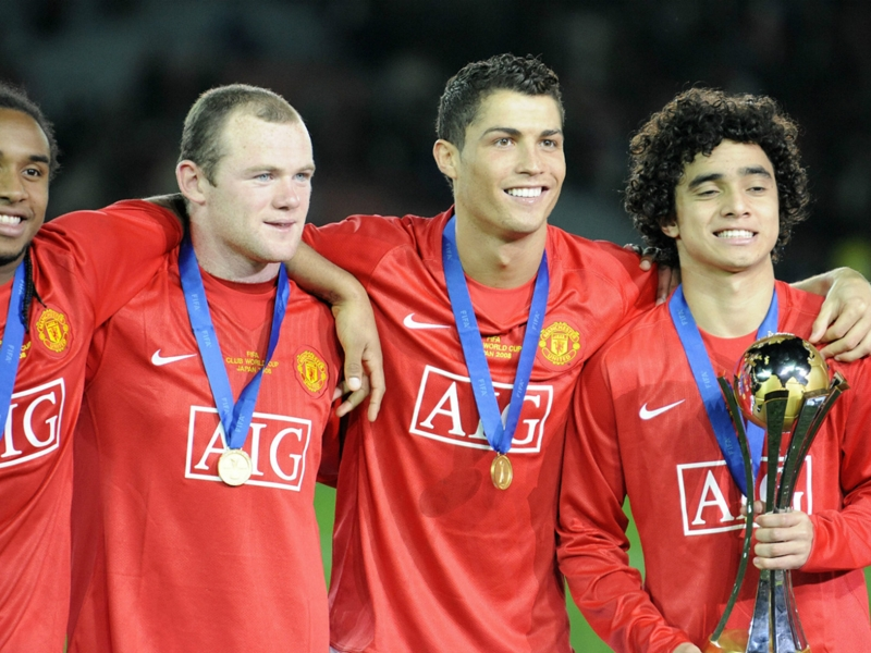 """Neville : """"Cristiano Ronaldo s'est fait massacrer à Manchester United"""""""