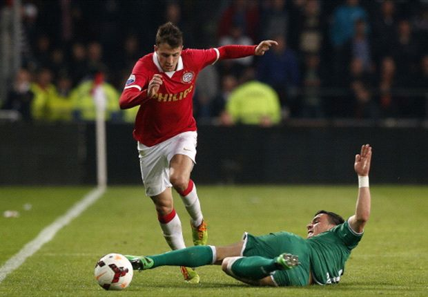 No Manchester United approach for Arias, insist PSV